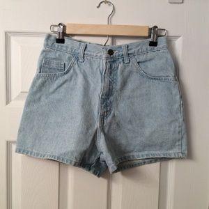 VINTAGE shorts.